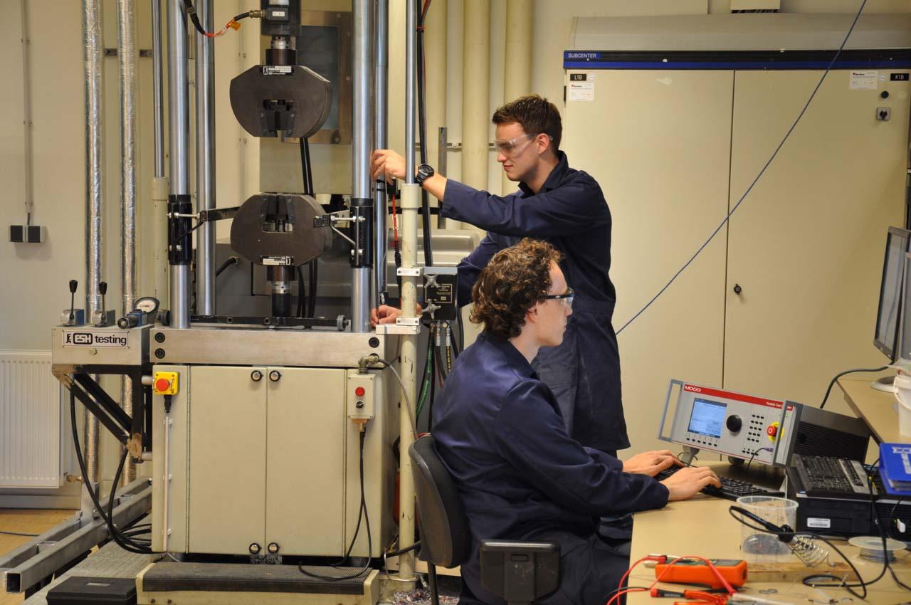 inholland composites smart bench dynamic testing moog gantner graduation assignment aeronautical engineering